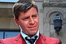 ★JERRY LEWIS The Nutty Professor / JERRY LEWIS (born March 16, 1926) is an comedian, actor, singer, film producer, screenwriter and film director.He is known for his slapstick humor in film, television, stage and radio.He was originally paired up with DEAN MARTIN in 1946, forming the famed comedy team of Martin and Lewis.Lewis is also known as the host, for more than 40 years, of the Muscular Dystrophy Association's annual Labor Day Telethon and national chairman of the MDA. Lewis has won SEVERAL AWARDS for lifetime achievements