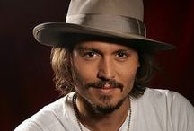 ★JOHNNY DEPP Finding Neverland / JOHNNY DEPP (born June 9, 1963) has won the Golden Globe Award and Screen Actors Guild award for Best Actor.He rose to prominence on the 1980s television series 21 Jump Street,becoming a TEEN IDOL. Depp is regarded as one of the world's BIGGEST movie stars.He has gained worldwide CRITICAL ACCLAIM for his portrayals of such people as Ed Wood in Ed Wood, Joseph D. Pistone in Donnie Brasco, Hunter S. Thompson in Fear and Loathing in Las Vegas, George Jung in Blow...