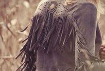 ≫∙∙∙∙≫∙∙∙∙ Midnight Cowgirl ∙∙∙∙≪∙∙∙∙≪