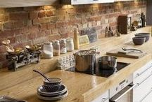 Kitchen ideas / The kitchen is often the heartbeat of the home. A lovely kitchen is essential!