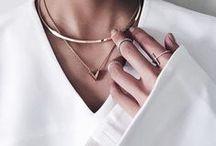 accessories / by Tabata Pieri