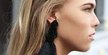 My Jewellery ♥ / My Jewellery is de grootste sieraden webshop van Nederland. Wij volgen vrijwel iedere trend en zorgen ervoor dat jij er ook nooit een zult missen. Sieraden zijn de finishing touch van je outfit en laten tegelijktijdig zien wie jij bent. Wij hebben een groot aanbod oorbellen, kettingen, armbanden en ringen. Ideaal om iemand cadeau te doen. Voor elke look zijn er passende sieraden te vinden.
