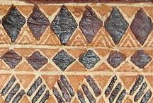 tapa / Tapa, siapo, it goes by several names. This traditional cloth from Polynesia is made from the bark of the mulberry tree.