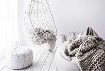 Scandinavia 4ever / šedo-bílá harmonie, bílo-černý kontrast, bělené dřevo, severský design, pastelové barvy, jemnost, lehkost, mladistvost