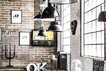 Rough / surový design, industriální prvky, rustikální prvky, kontrasty, dramatičnost, eklektika, vintage