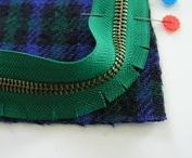 zippzàr / zippzár bevarrása különböző módon: ruhába, szoknyába, nadrágba, táskába, neszeszerbe,