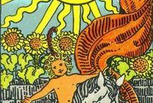 MON TAROT : OSWALD WIRTH / Celui qui regarde vers l'extérieur rêve; celui qui regarde vers l'intérieur s'éveille.  Tout est langage !