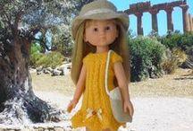 POUPÉE : vêtements / Pour le plaisir de confectionner des habits de poupées qui ressembleraient à des tenues de tous les jours.