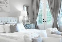 Master Bedroom Retreats / Inspiration for master bedroom ideas, master bedroom makeovers, bedroom color schemes. You will find bedrooms that you will enjoy in your own home. Get lost in the beautiful rooms here that will let you feel relaxed and comfortable. We can find the style you are looking for.
