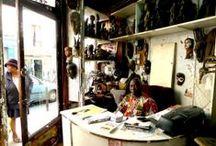 Voyages de Paris / Aux sources de l'imaginaire du voyage et du patrimoine des migrations, Baština crée un champs relationnel entre habitants en Île de France. Elle part à la rencontre d'autres cultures à travers la balade urbaine, le récit des gens, l'interprétation de lieux de vie ou d'histoire, la découverte d'une thématique, d'un savoir ou d'un quartier... Le voyage Si proche, accompagné du Passeur de culture, commence ici et maintenant, à 0 Kilomètre !!