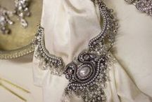 accessories / It's about styling a bride with the perfect accessories from head to toe! That's what we do at Sandra Nicole Designs We can help you find the right accessory to complete your look Contact us at sandra@sandranicole.com