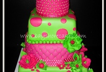 beautiful decorated cakes / by Robin Hurley