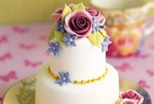 Wedding cakes / A cake should be a tasty work of art