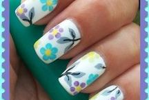 nails / by Donna Bielecki