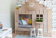 Chambres d'enfants,  children's rooms / Très important qu'elles soient jolies c'est leur refuge !  / by Michèle Lanau