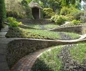 Landscape: Retaining wall, steps, staircase