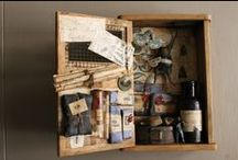 "Assemblage ""Box of curiosity"" by Jérôme Cavailles création / https://www.facebook.com/tarabuste.curio.cabinet"