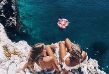 Squad Goals / Nothing like having all of your best girl friends together at the beach.