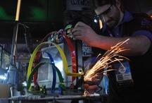 Modding / Rust-Oleum estuvo presente en una exhibición de modding en vivo, donde se tuneó el gabinete de una computadora desktop.