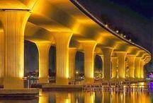 Pontes, bridges ♣~~~♣ / Pontes aproximam, pontes ligam...  Elas podem ser a solução de muitos problemas.   Além de serem bonitas, antigas ou modernas  elas são criativas. / by Constancia de Azevedo