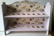 Upcycled Furniture / Upcycled furniture using decoupage papers