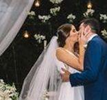 Casamento na Casa das Canoas / Casamento na Casa das Canoas com linda decoração nas cores azul marinho, branco e dourado