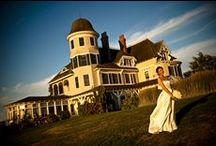 Wedding Venue - Rhode Island / Rhode Island offers unlimited wedding venue types - beaches for clambakes, public parks for pig roasts and barbecues, magnificent mansions for more formal affairs