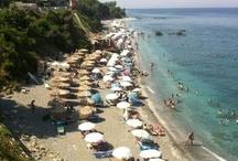 Beach Bars / Η ακτογραμμή των παραλιών της Λάρισας φτάνει τα 50χλμ και υπάρχουν πάνω απο 20 υπέροχες παραλίες.