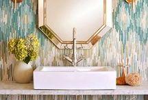 Decor // bathroom / Banheiros são parte fundamental para uma casa bonita e completa. Banheiros inspiradores de estilos variados: retrô / minimalista etc