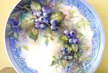 platos  decorados / by Ana Gandini