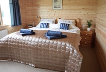Rainster Log Cabin / Escape to the country and stay in our award winning self catering log cabin in the stunning Peak District.