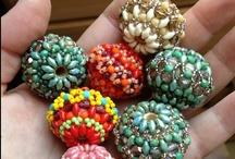Diy jewellery / by Hitomi Martin