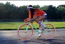 Cycle Chic / The art of looking good on a bike in civvies.