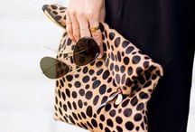 ⌂ ACCESSOIRES / Trendy bags, fashion rings and dazzling shoes