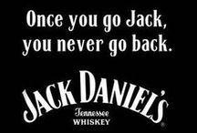 Jack Daniel's / Non ignoro il bisogno di fede dell'uomo; sono per qualunque cosa ti permetta di passare bene la notte, siano preghiere, tranquillanti o una bottiglia di Jack Daniels.