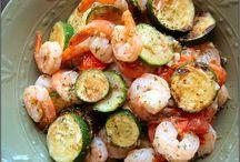 Food: Om nom nom! / Yummy food!