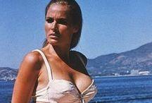 Ursula Andress / Ursula Andressová (* 19. marec 1936, Ostermundigen, kantón Bern) je švajčiarska herečka ocenená Zlatým glóbusom, sex-symbol 60. rokov 20. storočia. Známou sa stala vďaka roli Bond girl Honey Rider v prvej oficiálnej bondovke Dr. No z roku 1962. Bondove dievča si zahrala aj v neoficiálnom filme Casino Royale (1967), kde stvárnila postavu Vesper Lyndovej. / by Aňa
