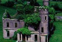 Old houses/ruines/castles