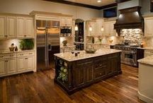 Kitchen Cabinets / KITCHEN CABINETS – PLANNING A MAKEOVER???