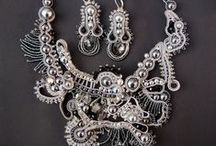 Kapka rosy / Korálkové šperky a ozdoby