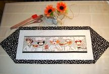 Decorative Table Runners / Sew and create table runners to decorate your home or give as a gift