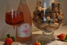 SAN VALENTINO 2016 da Lattuga Zanarini / Vino bianco, rosso o rosato per il tuo regalo di San Valentino in graziose confezioni. Disponibili nei nostri spacci agricoli di Modena e San Vito di Spilamberto.