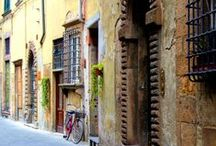 Montalcino, Tuscany / Montalcino is a fortressed village in Tuscany, Italy.  It is best known for the production of one of the finest wines in the world, Brunello! We always include Montalcino on the itineraries for our Workshops and Tours.