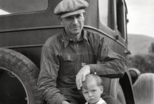 [L] Dorothea Lange [1895-1965] / Dorothea Lange was an influential American documentary photographer and photojournalist, best known for her Depression-era work for the Farm Security Administration (FSA).