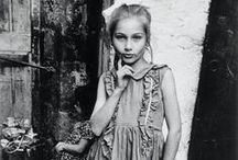 [M] Mary Ellen Mark [1940 - ] / Mary Ellen Mark is an American photographer known for her photojournalism, celebrity portraits, and photographic essays of subjects.