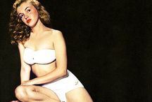icon | Marilyn [colour] / colour photographs of Marilyn Monroe