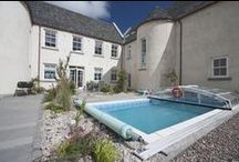 Houses with Hot Tubs or Swimming Pools / Many of our houses have hot tubs or swimming pools or both.