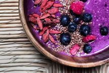 Smoothie Bowl / Delicious and healthy smoothie bowls for breakfast