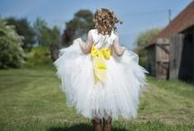 Rustic Yellow Wedding Theme / Yellow Rustic Barn Wedding Ideas