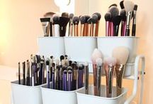 makeup brushes and storage